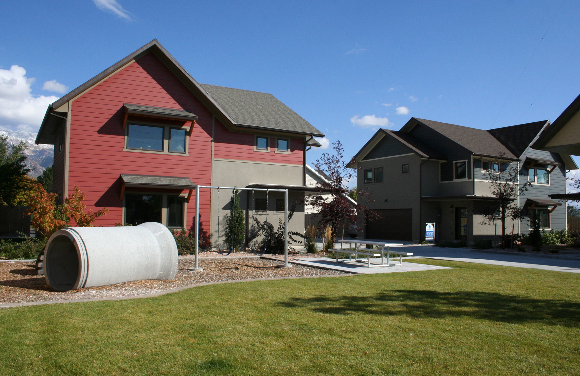 Crown homes sustainable affordable housing amd architecture for Affordable lakefront homes
